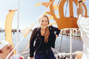 De Wal Keert Het Schip Stoepkrijt Evenementen Fotografie Techno Boot Koningsdag