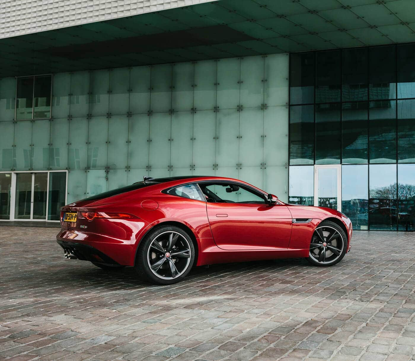 Jaguar F-TYPE AWD S Coupé Autogespot Automotive Fotografie
