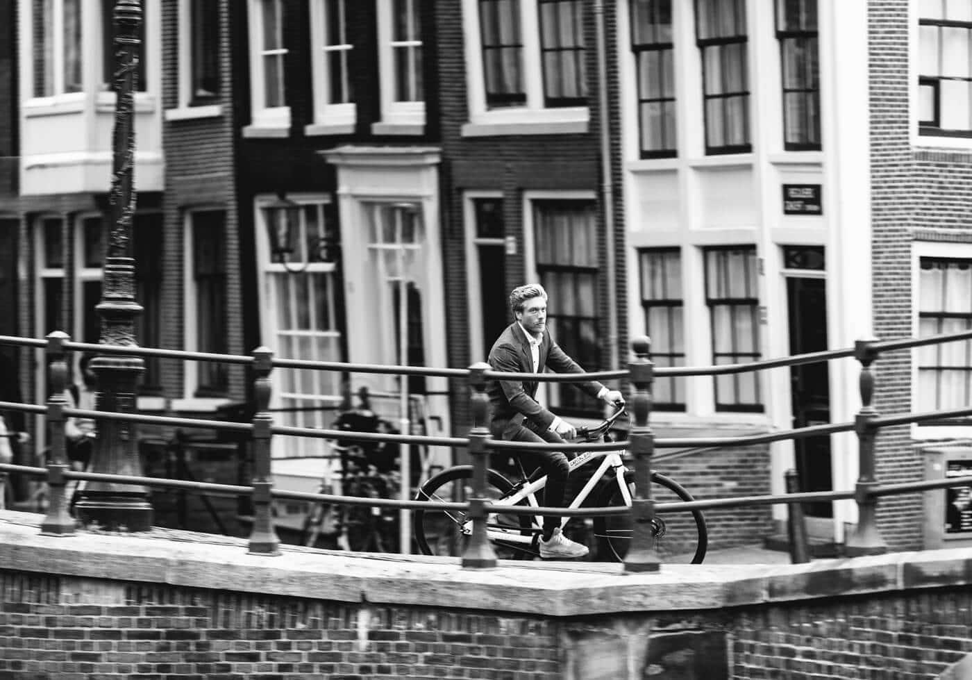 Capital Bikes Amsterdam Fietsenverhuur Bedrijfsreportage Amsterdam Grachten Fietsen VanMoof