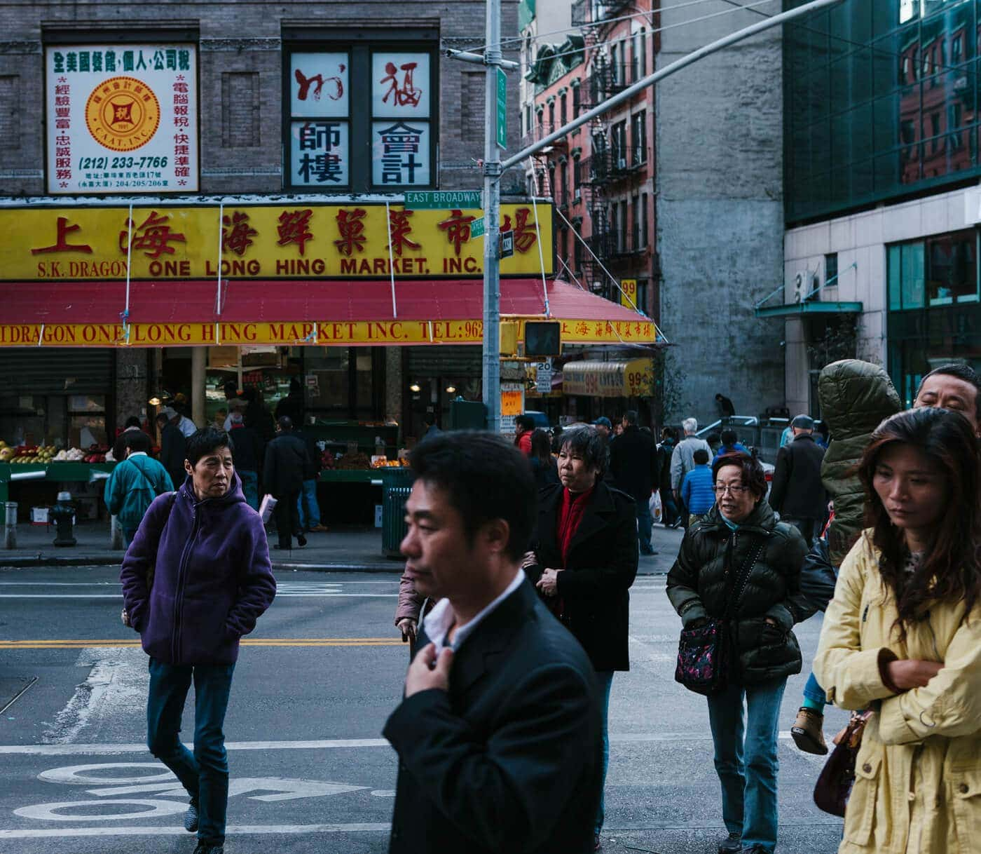 chinatown-new-york-usa-america-streetphotography-crossing